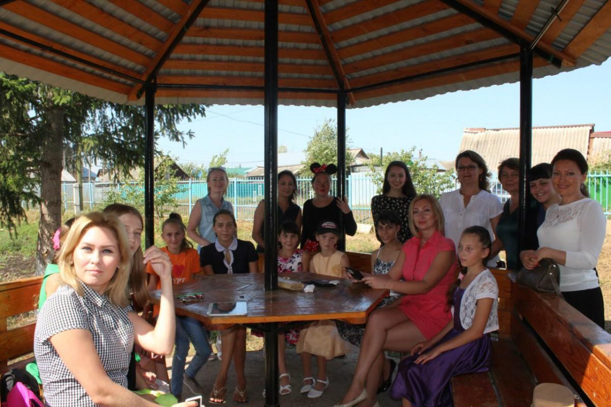 Алина Уразбаева провела благотворительный проект для социального приюта